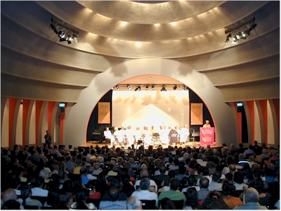 A Unique Assembly in the City of New York of the Spiritual Leaders of all Ramakrishna Order Centers of North America New School University Tishman Auditorium, September 22, 2002